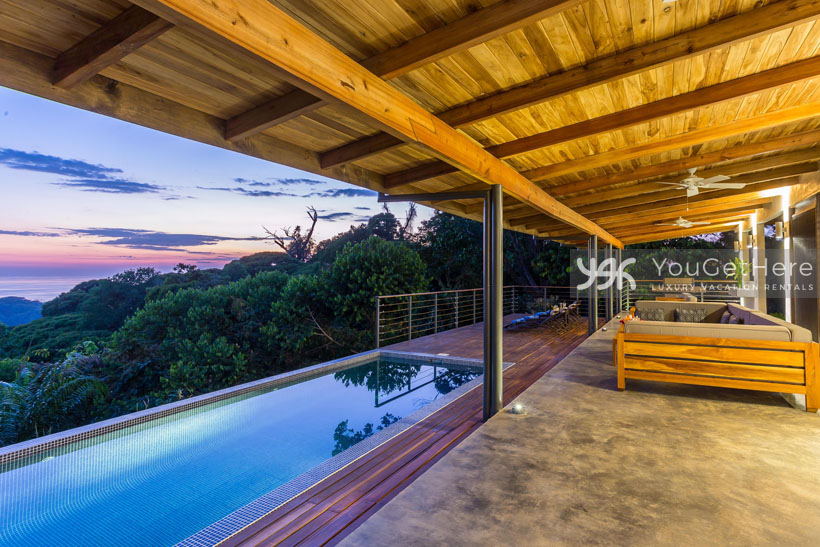 Beach House Rentals-Dominical-Escaleras-Costa Rica-Tres Perlas