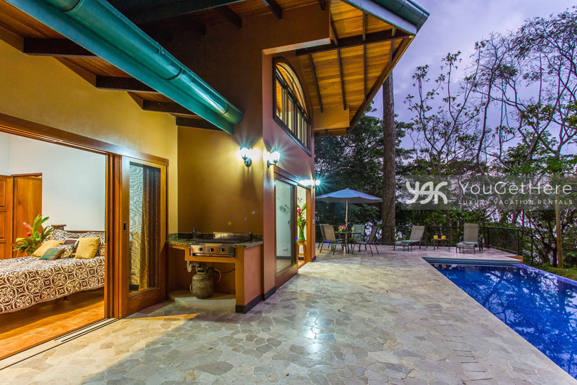 Luxury rental home dominical costa rica casaalaska for Luxury rental costa rica