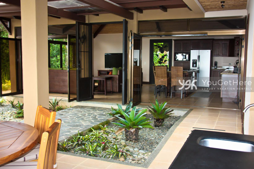 Luxury Villa-Dominical-Escaleras-Costa Rica-Gorda Vista