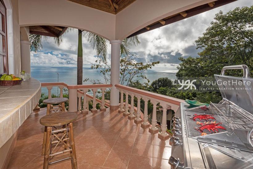 Beach House Rentals-Dominical-Costa Rica-San-Martin-Mirador-escaleras-bbq