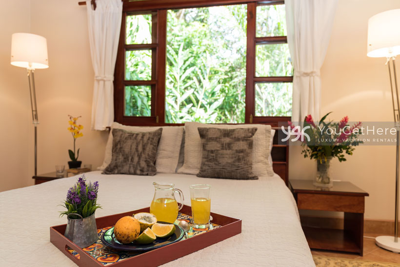 Beach House Rentals-Dominical-Costa Rica-San-Martin-Mirador-escaleras-bed2