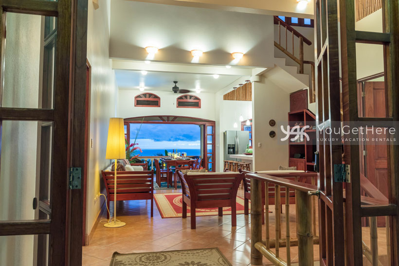 Beach House Rentals-Dominical-Costa Rica-San-Martin-Mirador-escaleras-laung