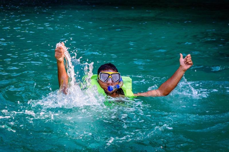 snorkel-enjoyment-fun-water-sports-vacation-costa-rica