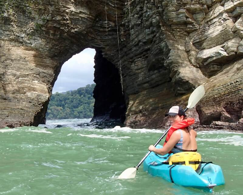 kayak-ventanas-ocean-beach-costa-rica-pineapple-tours