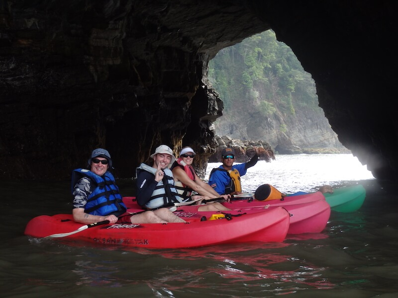 Kayak-pineapple-tours-guests-playa-ventanas
